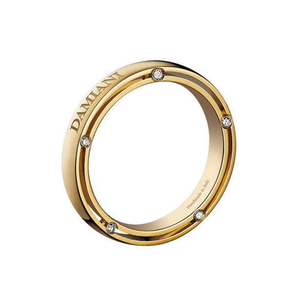 D.SIDE YELLOW GOLD AND DIAMOND WEDDING BAND