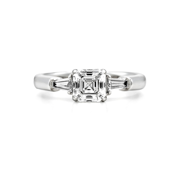 ROYAL ASSCHER CUT RING